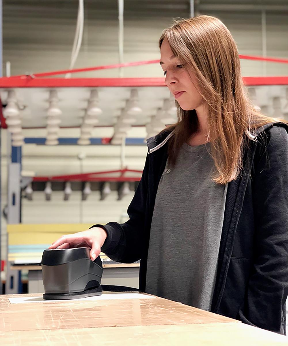 Viviane Hain, Werkstoffprüferin bei der Arbeit | Erfahrungsbericht und Bewertung von Weiss
